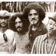Alguém sabe quem são? Resposta: Fagner, Moraes Moreira, Zé Ramalho e Jackson do pandeiro. * Foto extraída do livro/biografia do Jackson.