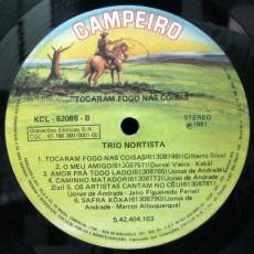 1981-trio-nortista-tocaram-fogo-nas-coisas-selo-b