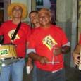 """*Fotos enviadas pelo Batista Junior """"…fotos da 5ª Caminhada do Forró realizada no dia 11/06 no Bairro do Recife Antigo com mais de 80 sanfoneiros, zambubeiros e trianguistas, a caminhada […]"""