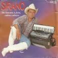 """Colaboração do Carlos Alberto, de Morada Nova – CE """"Com dezoito cds gravados, Sirano começou sua carreira no Ceará, sua terra natal, aos sete anos de idade. Aos onze já […]"""
